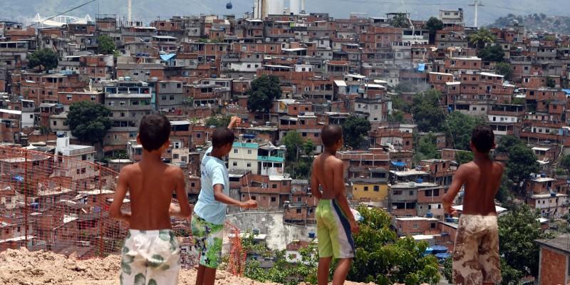 Favelas, such as Alemão, emerged from an unmet need for housing. Photo by Fabio Motta/Agência Estado