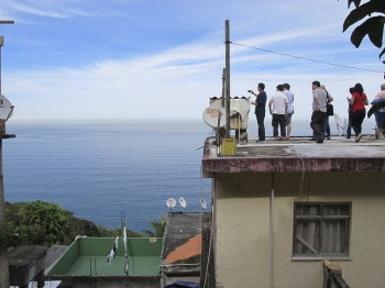 A local tempting foreigners to buy his home in Vidigal