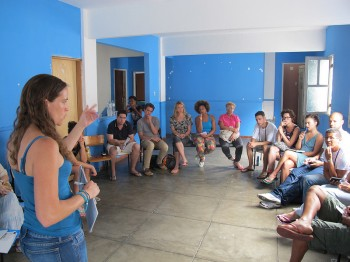 CatComm founder and executive director Theresa Williamson presents on gentrification at workshop in Vidigal